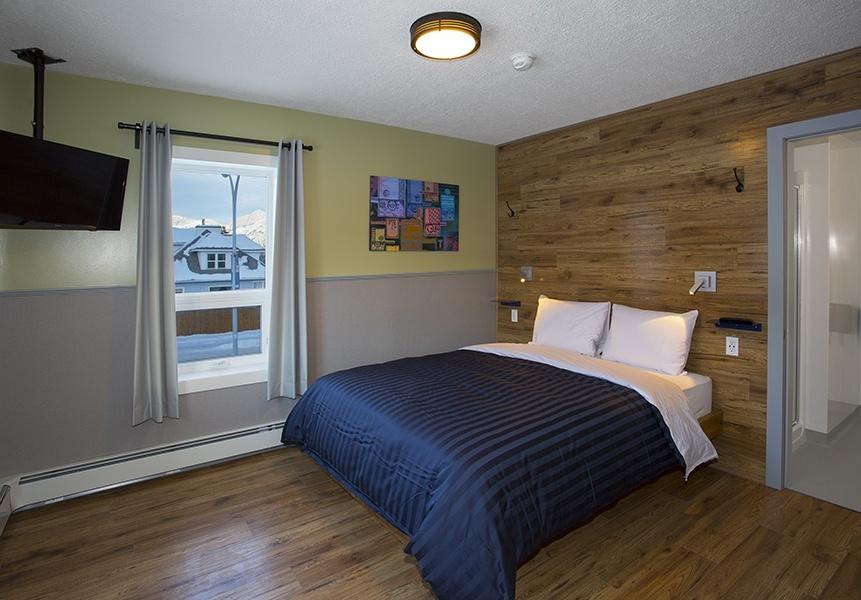 Room C_Queen Bed